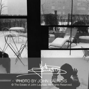 Baby's First Snow, 1965. Photo by John Launois, © The Estate of John Launois.